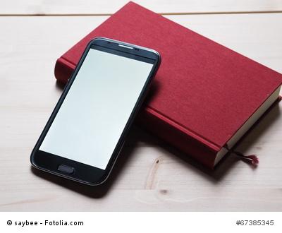 Ein modernes Smartphone ohne Herstellerlogo